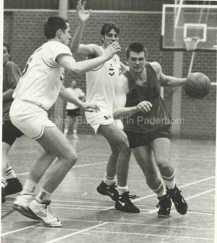 Baskets-TVS-1994